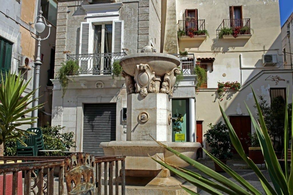 4_fontane_Visit_Mola_di_Bari_Puglia