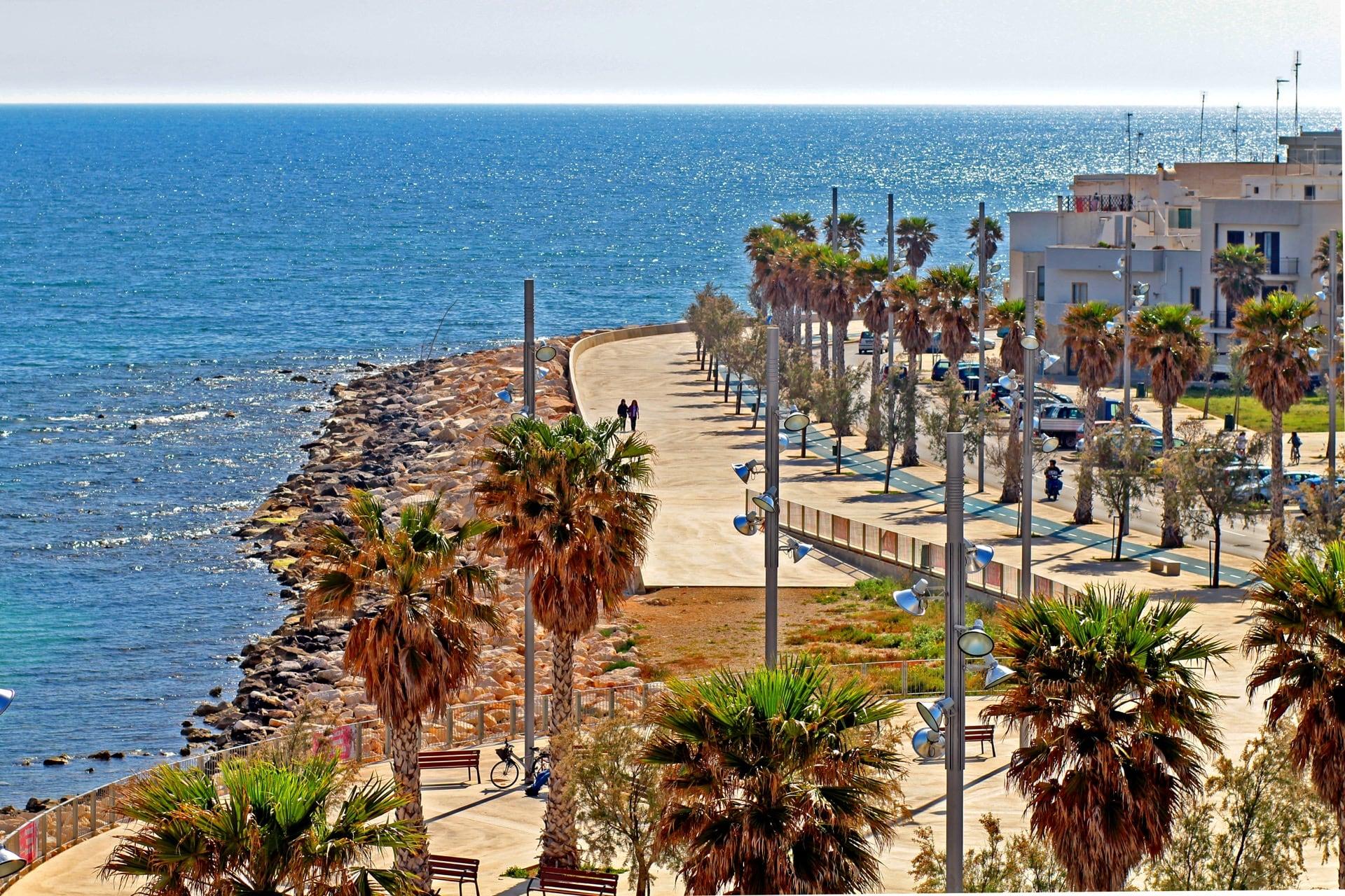 Shopping-&-Drink-Visit-Mola-di-Bari-Puglia